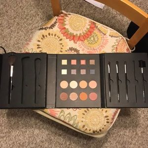 Never used make up set